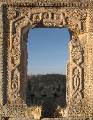 Остаток архитектуры Мангупа — столицы княжества Феодоро.Фото